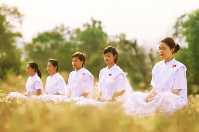 ทำไมต้องใส่ชุดขาวไปวัด การแต่งกายไปวัด ด้วยชุดปฏิบัติธรรม ชุดขาว ชุดขาวปฏิบัติธรรม ชุดทำบุญ ข้อดีของการใส่ชุดขาวทำบุญไปสวดมนต์ข้ามปี ชุดขาว ชุดขาวราคาถูก จำหน่ายชุดขาว ชุดขาวคุณภาพดี ซื้อชุดขาว ร้านขายชุดขาว ร้านชุดขาว ชุดขาวราคาถูก ศิรินันท์มงคล